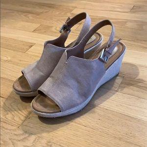 b.ø.c. Wedge sandals